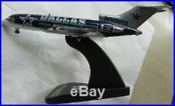 Danbury Mint NFL Dallas Cowboys Team Plane Boeing 727-100 Diecast Airplane & Coa